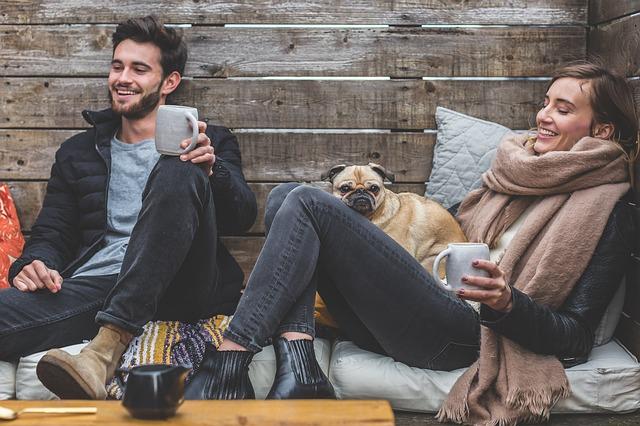 Mladí ľudia milujú životný štýl Európy