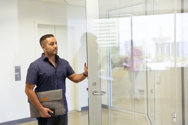 veľké sklenené dvere